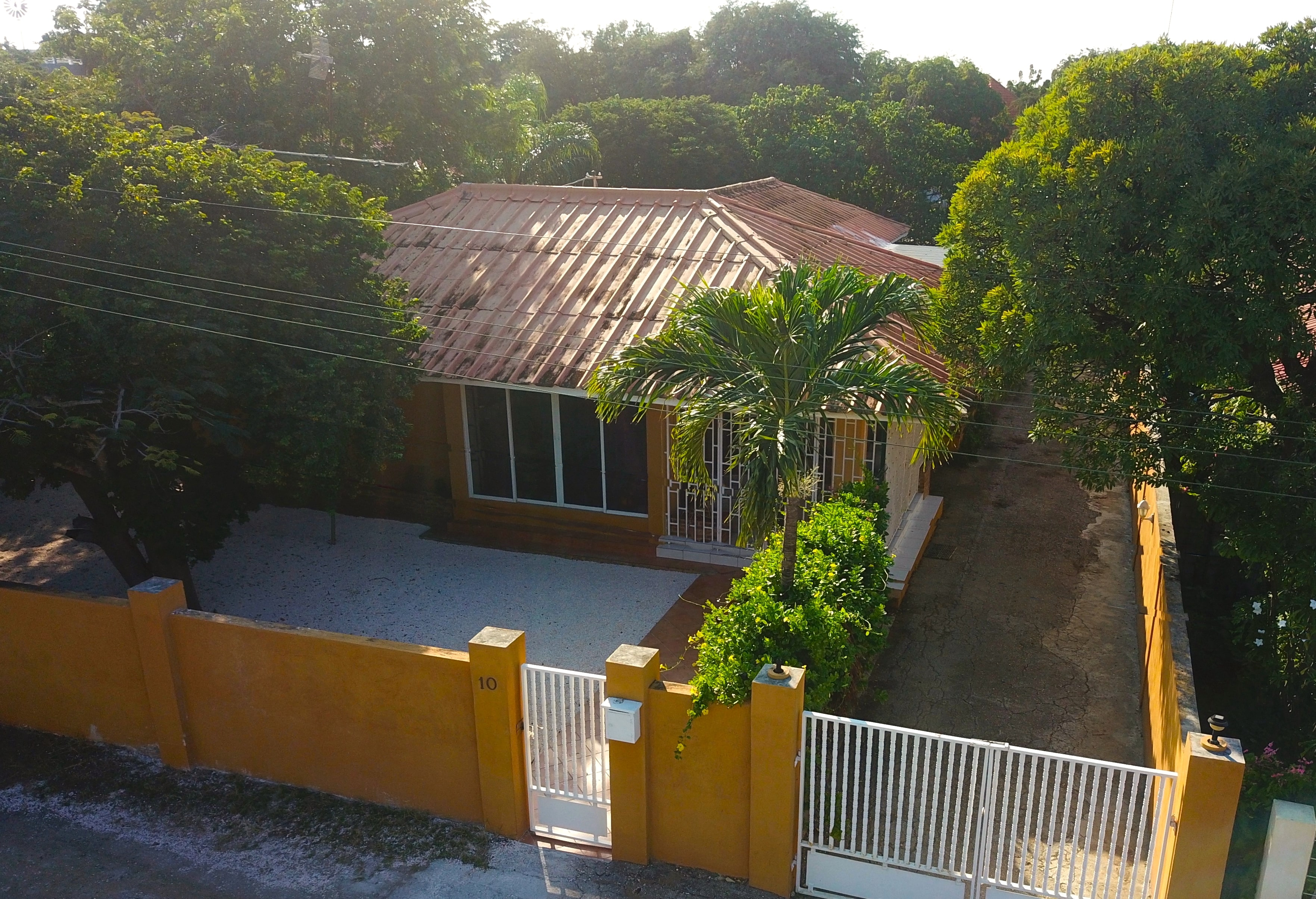 beautiful tropical nuance bedroom | Beautiful tropical house with 3 bedrooms for sale | NH ...