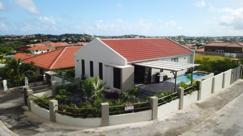 New 3 Bedroom home with pool