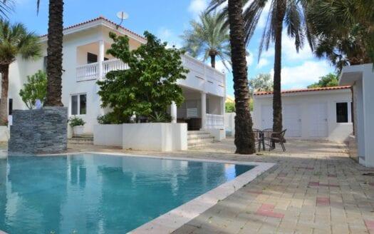 Villa Te Koop Vista Royal