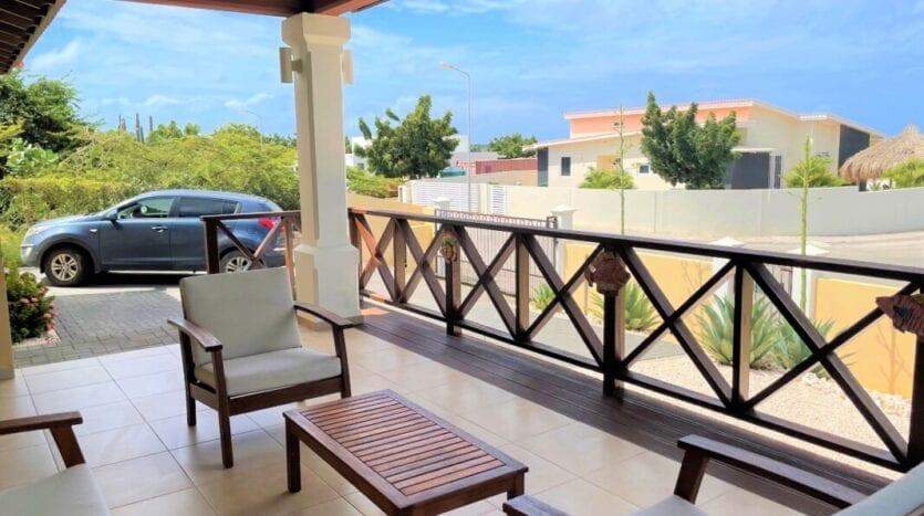 Modern vrijstaande huurwoning met 3 slaapkamers in Damasco Resort Jan Thiel